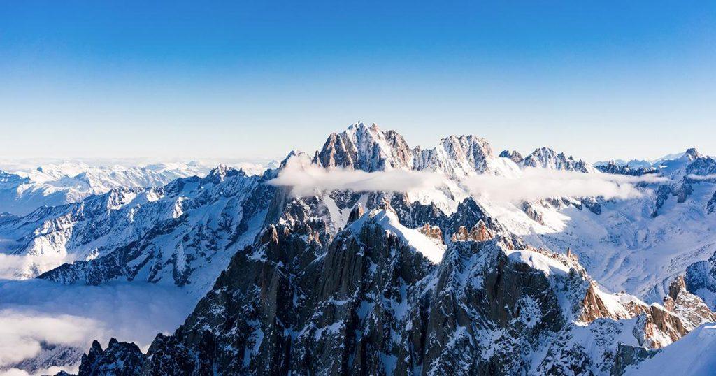 Mendaki Pegunungan Memukau di Prancis
