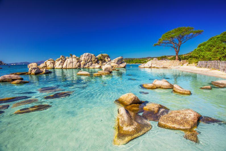 Menikmati Pesona Pantai di Prancis